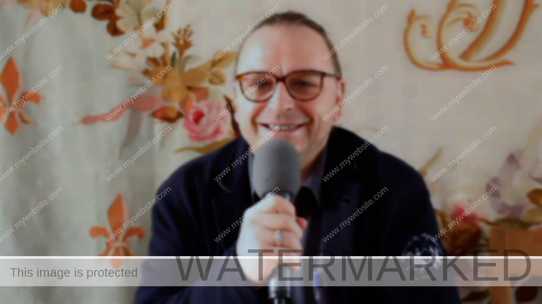 Le curé Vincent Roos réfléchit à son avenir